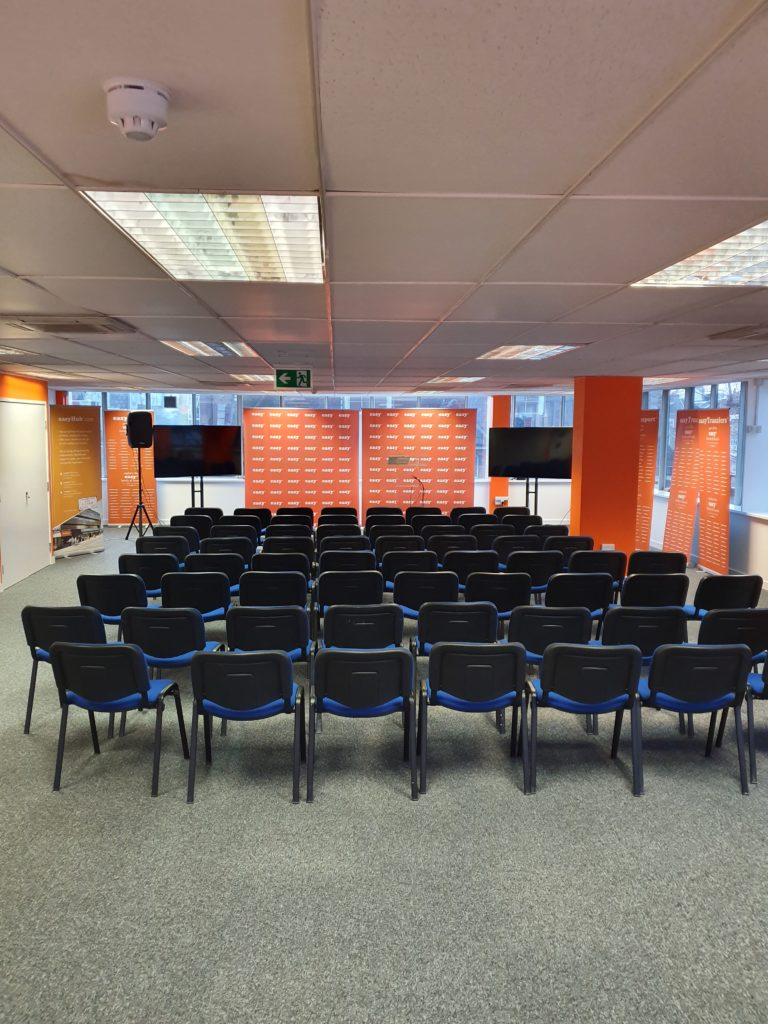 1.easyhub conference hall