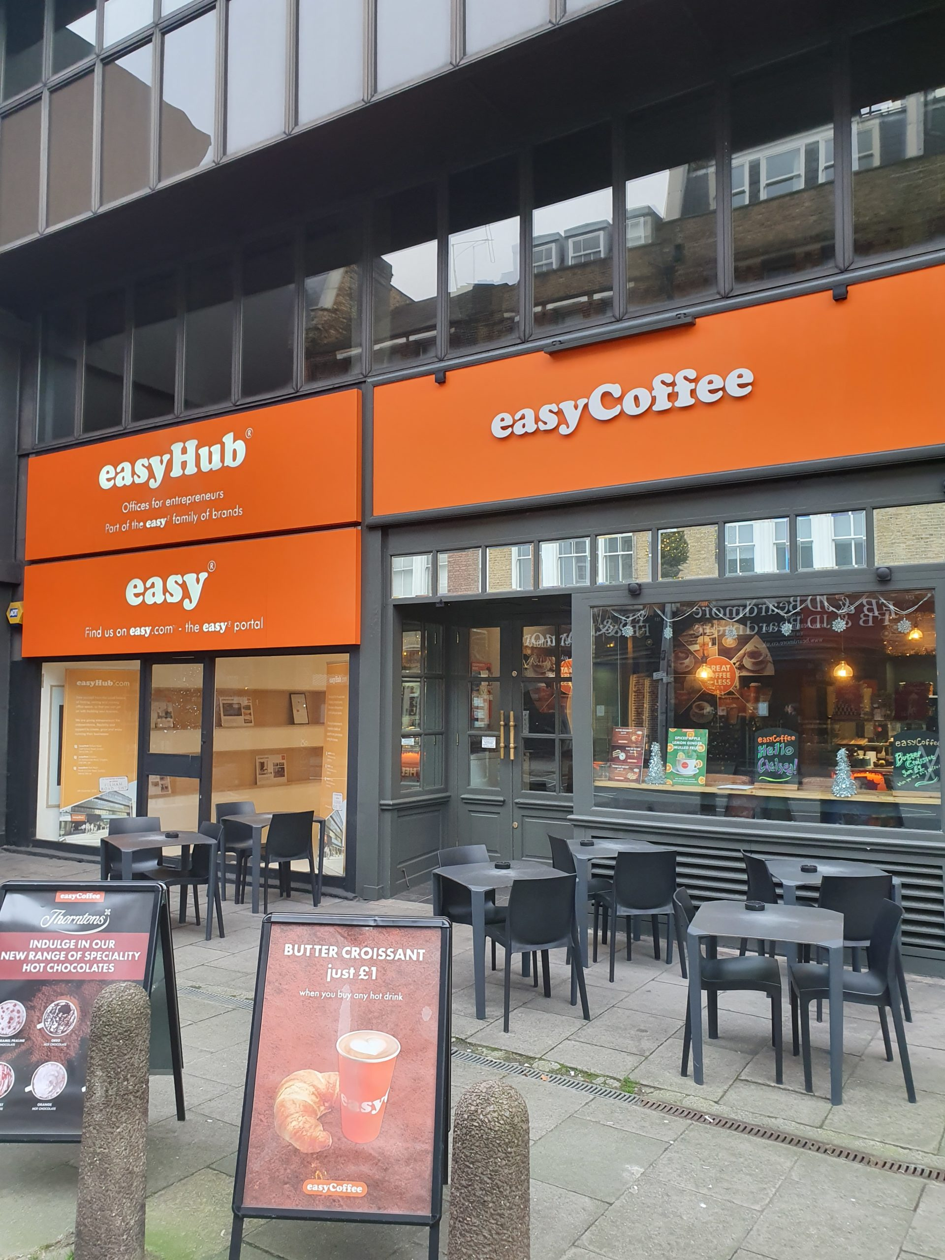 1.easyhub front