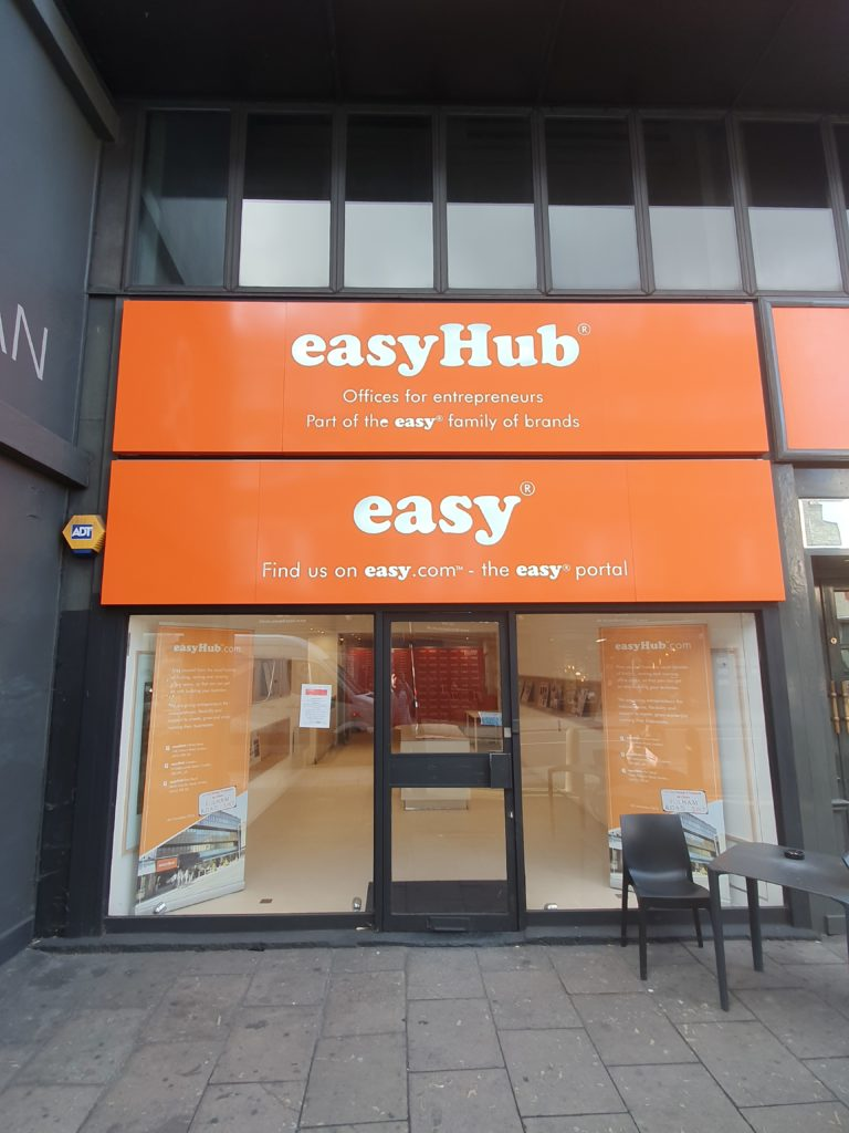 5.easyhub front